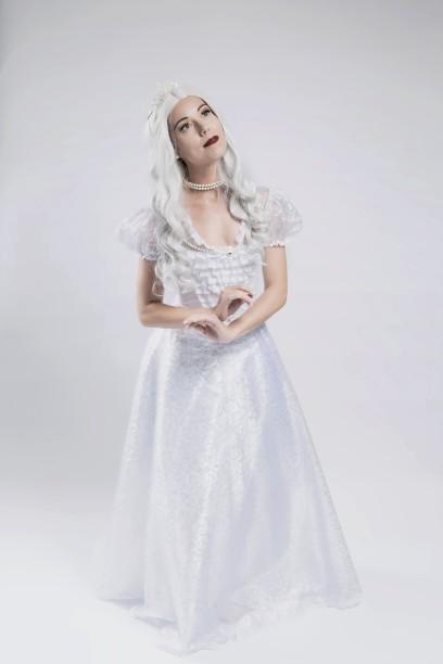 Rainha Branca, personagem de Bruna Chiaradia. CRÉDITO: ALINNE VOLPATO/DIVULGAÇÃO