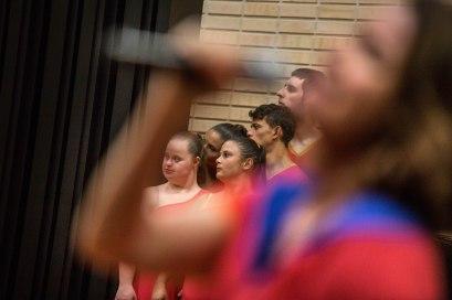 Cláudia Passos emoldura bailarinos Fotos Cristiano Prim
